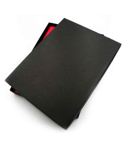 Czarne pudełko ozdobne do kalendarza
